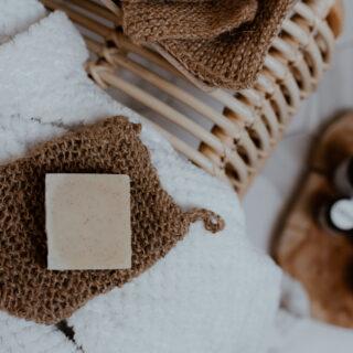 Rękawica do mycia i peelingu ciała ze sznurka konopnego (2)